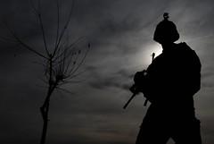 [フリー画像] [戦争写真] [兵士/ソルジャー] [シルエット] [アメリカ軍兵士]       [フリー素材]