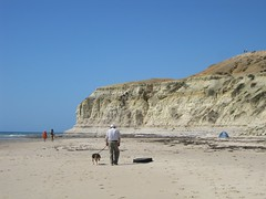 Port Willunga Beach (Adriano_of_Adelaide) Tags: ocean summer cliff dog beach walking seaside sandstone australia oldman bluesky southaustralia clearsky cloudlesssky portwilunga