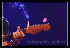 FiTo & FiTiPaLDiS (Tom Hagen) Tags: music rock tom guitar live smoke guitarra bilbao fender musica roll bec hagen bizkaia rockandroll fito cigarrette barakaldo adolfo directo musika cabrales fitipaldis fitoyfitipaldis tomhagen zuzenean tomhagenphotos