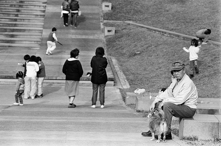 老人、小孩、狗  【Contax NX】