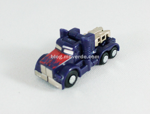 Optimus Prime RotF Miniatura - modo alterno