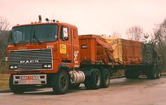 Mack UltraLiner (PAcarhauler) Tags: truck mack coe