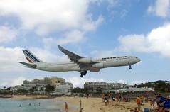 [フリー画像] [航空機/飛行機] [旅客機] [ビーチ/海辺] [プリンセス・ユリアナ国際空港] [セント・マーチン島]      [フリー素材]