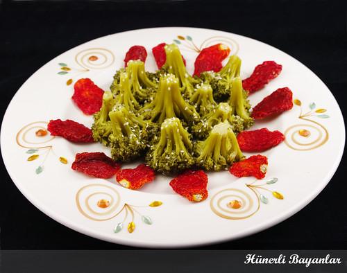Sirke Sarımsak Soslu Brokoli