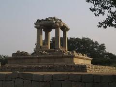 601. Hampi(19) Royal Pedestal (profmpc) Tags: king meetings hampi pedestal petitions vijayangara krishnadevarayar