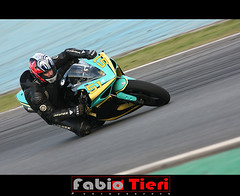 race - super bike - speed (Fabio Tieri) Tags: bike race speed honda fast moto yamaha motor rapido corrida superbike 1000cc kavazak suzukitriunphy