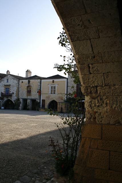 Sotto i portici di Montpazier