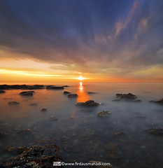 The Light Path (Firdaus Mahadi) Tags: longexposure light sunset sky sun beach rock landscape scenery laut malaysia awan batu pantai langit portdickson cahaya pemandangan matahari longexposures nd400 petang lightpath negerisembilan vertorama manfrotto055xprob acidsulfurik vedd tokina1116mmf28 firdausmahadi firdaus