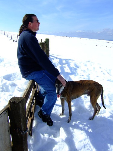 Gordon and Bruce on snowy Pentlands 02