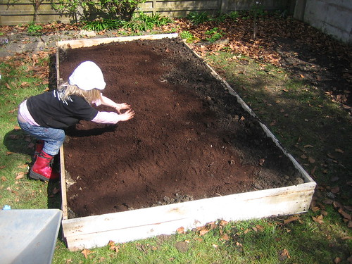 gardening042010 036