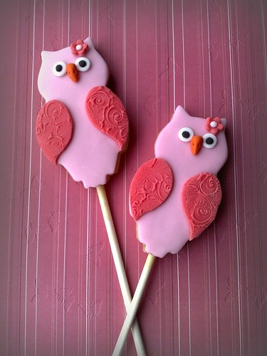 Pink Owl Cookie Lollipops