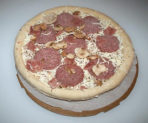 05 - Pizza mit Pappe und Backpapier