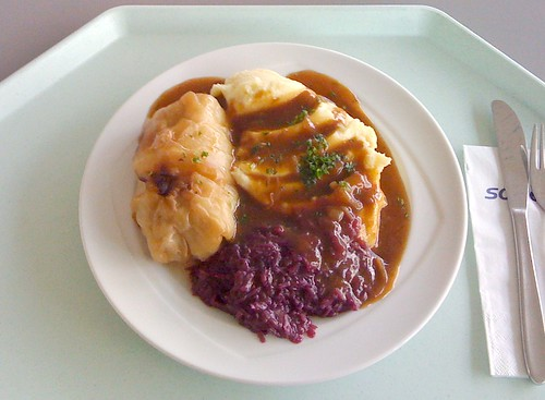 Kohlroulade & Kartoffelpüree / stuffed  cabbage & mashed potatoes