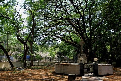 Low 2010-04-20 Mumbai 01 Downtown 07 Afghan Church