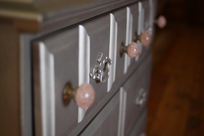 04-23-dresser3