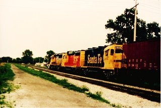 Eastbound Atchinson, Topeka & Santa Fe transfer train. Chicago Illinois. September 1988.