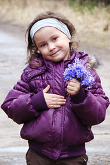 Su mamyi diena!!!!!/Happy Mother's Day (AusraB) Tags: flowers girl kid vaikas ibuokls gls saul mergait