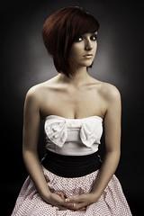 [フリー画像] 人物, 女性, ドレス, スタジオ, ショートヘア, 201005070100
