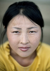 Chilbo sea woman - North Korea (Eric Lafforgue) Tags: portrait woman cute beauty face asian war asia serious korea explore asie coree northkorea asiatique dprk coreadelnorte nordkorea 9837    coreadelnord   insidenorthkorea  rpdc  kimjongun coreiadonorte