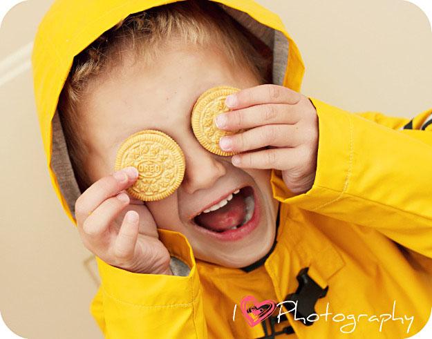 I heart faces yellow