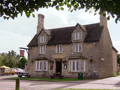 The Red Lion Evenley
