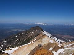 安足間岳山頂から愛別岳を望む