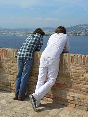 les garçons sur la terrasse bazaine.jpg