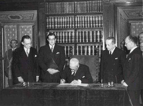 De Nicola promulga la Costituzione della Repubblica Italiana