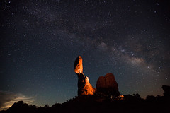milky way over balanced rock (caddymob) Tags: longexposure sky lightpainting night utah nationalpark archesnationalpark starts cto milkyway balancedrock strobist