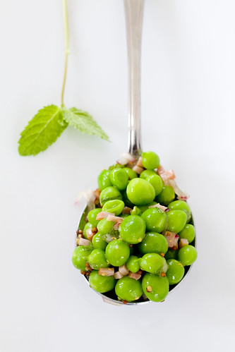 Fresh Pea Salad in a spoon 12