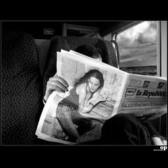 Ahi serva Italia... (Osvaldo_Zoom) Tags: travel italy train canon newspaper reader commuter calabria g7 dantealighieri purgatorio journe servile ahiservaitalia