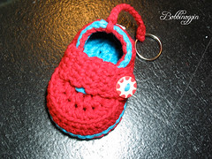 (bobbinoggin) Tags: crochet babybooties bobbinoggin