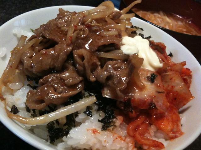 #jisui 牛バラ焼肉のキムチマヨ丼!