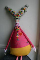 Frida-rosa-4 (cara carmina) Tags: pink flowers blue orange black mexico dolls heart frida colores artdolls fridakahlo esther corazon monas muñecas clothdolls flres lovelydolls recyclefabrics muñecasrecicladas