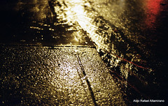 Wet floor (Rafakoy) Tags: street light ny newyork color cars film wet water colors car rain station night train 35mm subway 50mm lights queens negative epson n80 avenue nikonn80 woodside nite c41 kodakgold400 afnikkor50mmf18d nikkoraf50mmf18d epsonv600 epsonperfectionv600 aldoraltamirano