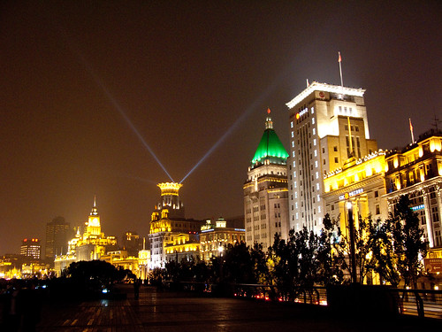 2010103142-上海南京東路.外灘壓馬路.jpg