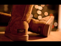 Uggs Only (sveni-pictures) Tags: canon boots bokeh dots ugg produktfotografie uggaustralia 5dmark2 expressyourselfaward svenipictures