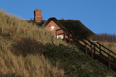 beautifulk house behind a dune (rr807) Tags: winter sylt nordsee eos500d rr807