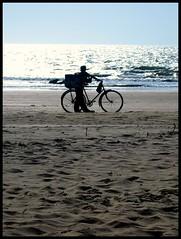Aswen silhouette. Goa. (konstantynowicz) Tags: sea india beach bicycle sand goa aswen