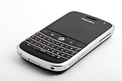 Bold 9000 (DeN.DeN) Tags: blackberry warp d80 sigma1770mm bold9000