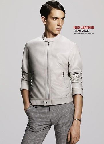 UNIQLO 0202NEO LEATHER CAMPAIGN_Jakob Wiechmann