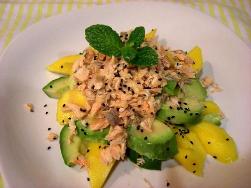 Mango, avocado and salmon salad