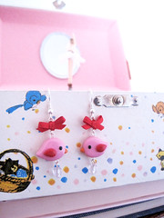 Orecchini uccellini rosa - Pink birdies earrings (Il Cassetto di Momo) Tags: pink sky cute bird rosa jewelry uccelli clay cielo bow kawaii ribbon earrings birdies uccellini orecchini etsyitaliateam fioccopolimer
