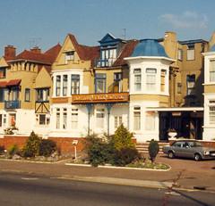Boston Hall Hotel, Westcliff-on-Sea - Oct 1986 (piktaker) Tags: uk hotel esplanade seafront essex southend westcliff southendonsea westcliffonsea bostonhallhotel
