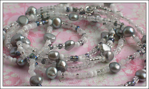 Seed bead & pearl necklace