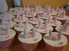 Castle cupcake (Niki SG) Tags: art cakes cookies cupcakes sugar baptism sugarpaste γλυκα βαφτιση χειροποιητα κεκακια sketiglyka κερασματα