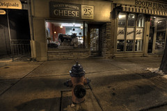 Mickey McGuire's Cheese (Raf Ferreira) Tags: ontario cheese night long exposure mickey sidewalk shooting rafael dundas hdr hfg mcguires ferreira peixoto
