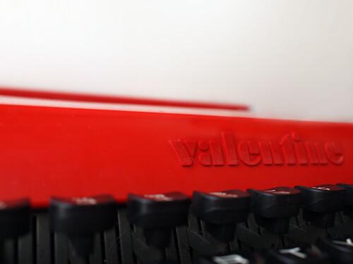 7b7: olivetti valentine typewriter