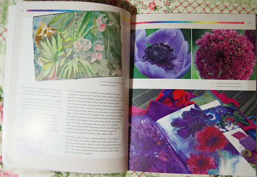 Spread from Exploring Colour (Photo by iHanna - Hanna Andersson)