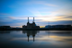 Battersea Power Station (5ERG10) Tags: uk longexposure greatbritain blue light sunset england orange colour reflection london water colors sergio station yellow thames architecture clouds reflections river mirror daylight moving movement nikon long exposure colours shadows power unitedkingdom dusk fiume tripod wideangle filter gb daytime battersea vignette londra powerstation architettura inghilterra tamigi d300 sigma1020 nohdr nd110 amiti 5erg10